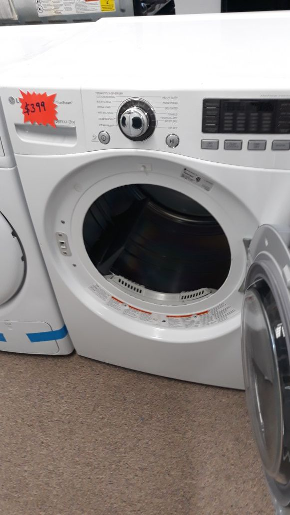 Lg white front load Electric dryer excellent condition