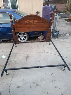 Bed frame for Sale in Bell Gardens,  CA