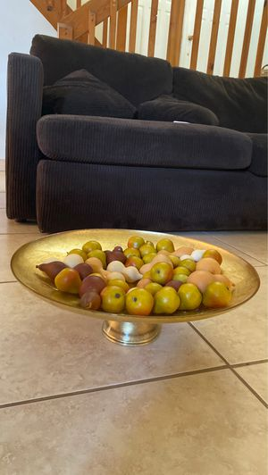 Gold Dish Decor 18 inches diameter for Sale in Hialeah, FL