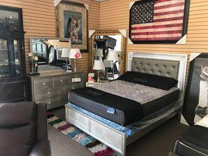 Queen bedroom set on sale only at elegant Furniture 🛋🎈🛏 for Sale in Fresno, CA
