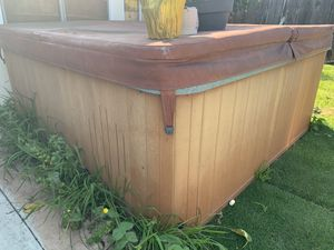 Jacuzzi Hot Tub for Sale in Fountain Valley, CA