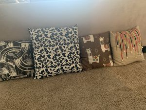 Pillows decorative for Sale in Deer Park, TX