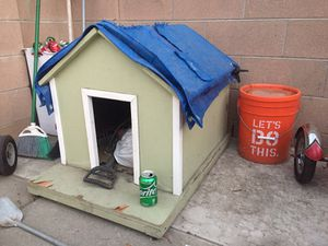 Free dog house for Sale in Lakewood, CA