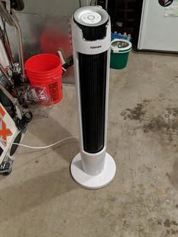 Toshiba 42 Inch Oscillating Fan for Sale in Aloha,  OR
