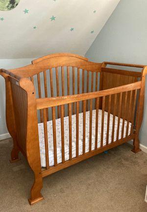 Baby Crib 4 in 1 for Sale in Burlington, NJ