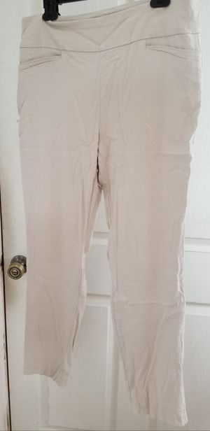 WOMENS BEIGE VAN HEUSEN STRETCH EXTENSIBLE PULL ON PANTS SIZE 16 REGULAR for Sale in Carlsbad, CA