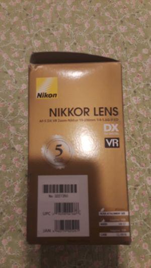Nikon Nikkor lense AF-S DX VR Zoom-Nikkor 55-200 for Sale in Santa Ana, CA