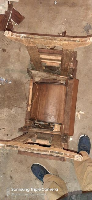 Sewing machine desk, with drawers excellent condition for Sale in Jonesboro, IN
