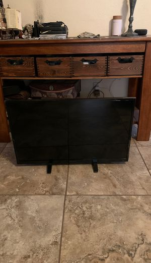 "Insignia TV 32"" for Sale in Yuma, AZ"
