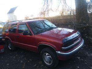 Chevy blazer 98 for Sale in Chicago, IL