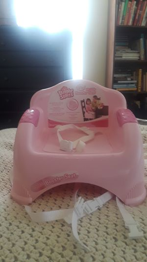 Brofht starts booster seat. Protable and barely used. for Sale in Affton, MO