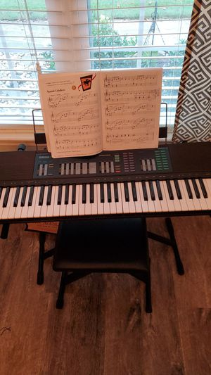 Yamaha PSR-32 61-Key Touch-Sensitive Musical Keyboard for Sale in Peachtree City, GA