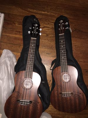 Dos guitarras 80 por las dos for Sale in Hyattsville, MD