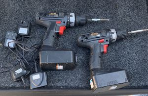 (2) 18V 3/8 Drills with charger and 2 batteries for Sale in Cincinnati, OH