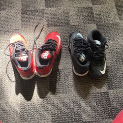 Nike Sport Shoes Size 2y for Sale in Cuyahoga Heights,  OH