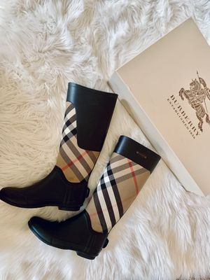 ✨100% Authentic Burberry Check Rainboots ✨ for Sale in South Milwaukee, WI
