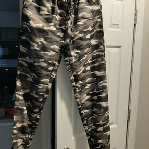 Women Camo Polyester/Cotton Joggers Pants for Sale in Columbus, OH
