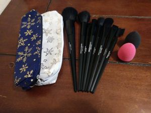 Makeup brushes for Sale in Pasadena, TX