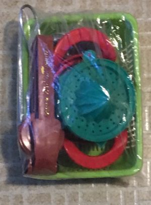 Fruit Peeler Set with Tray New for Sale in NY, US
