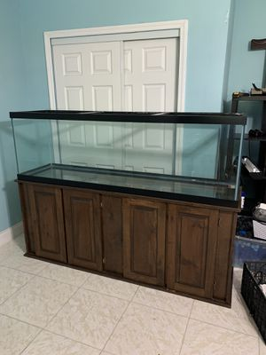 125 Gallon Aquarium/Fish Tank! for Sale in St. Petersburg, FL