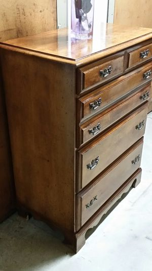 SOLID WOOD 5 BIG DRAWERS CHEST for Sale in Fairfax, VA