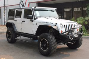 2011 Jeep Wrangler Unlimited for Sale in Hayward, CA