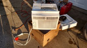 Small AC for window for Sale in Skokie, IL