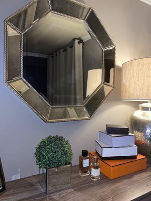 Mirror for Sale in Kirkland, WA