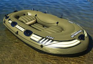 Solstice Outdoorsman 9000 inflatable fishing boat!!! for Sale in Hanover, PA