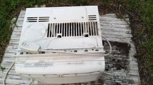 WINDOW AIR CONDITIONER for Sale in Belle Isle, FL