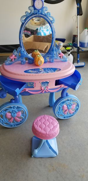 Cinderella Vanity Set for Sale in Elon, NC