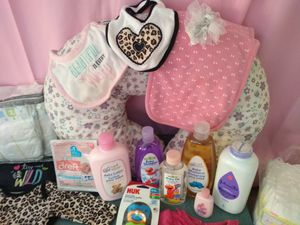 Baby Girl stuff moving must sell today. for Sale in St. Cloud, FL