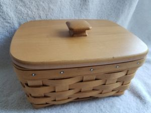 Longaberger basket with lid and linner for Sale in Tigard, OR