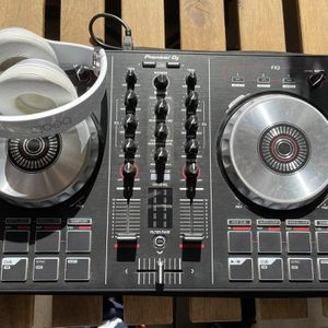 Pioneer DDJ-SB2 W/ Beat Headphones for Sale in San Diego, CA