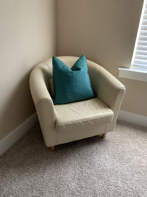 Cream Arm Chair for Sale in Franklin, TN