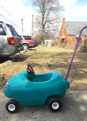 Little tikes toy car for kids for Sale in Dearborn, MI
