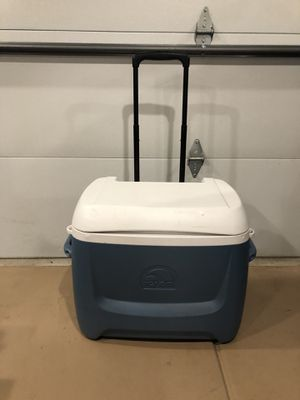 Igloo Cooler for Sale in Naperville, IL