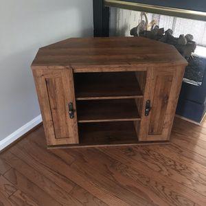 Corner TV stand for Sale in Alexandria, VA