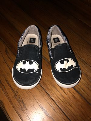 Gap Batman shoes for boys size 10 (glow in the dark) for Sale in San Antonio, TX