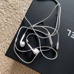 Apple earpiece for Sale in Bellevue,  WA
