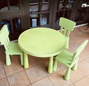 Kids / Niños / Table / Mesa / Mammut $50 Recojer en 12185 sw 26 st Miami Fl 33175 for Sale in Miami, FL