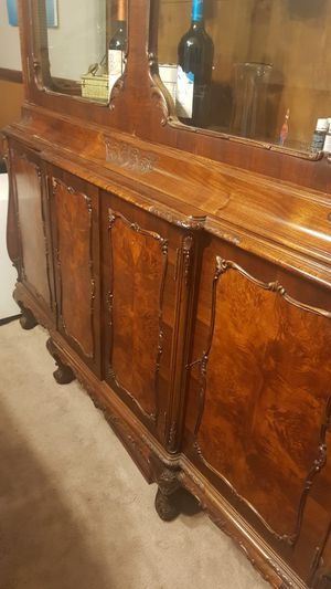 Quality Carved China Cabinet ANTIQUE $500 reduced (from $1000) for Sale in Jonesboro, GA