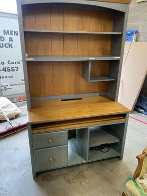 Office desk with hutch . ( 2 pieces ) for Sale in North Potomac, MD