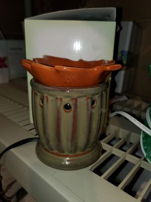 Scentsy Fall Leaf Warmer for Sale in Thornton, CO