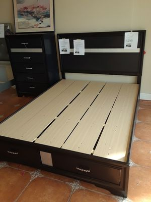 Quality Queen platform bed frame with drawers boxspring not required for Sale in Antioch, CA