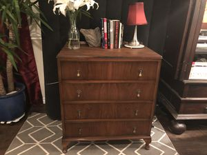 Antique dresser for Sale in Dallas, TX