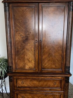 Armoire for Sale in Clackamas,  OR