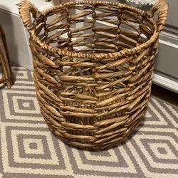 Rattan Basket for Sale in Elk Grove,  CA