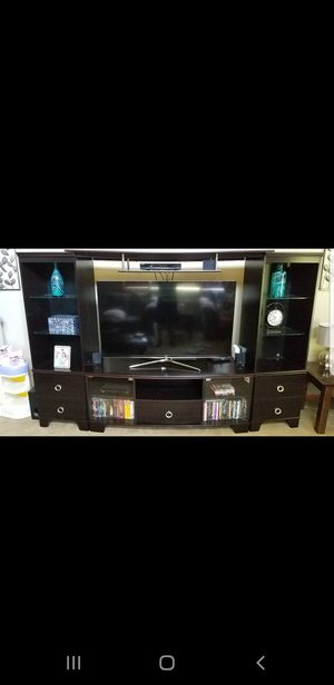 Entertainment center (FITS 65 INCH TV) for Sale in Bolingbrook, IL