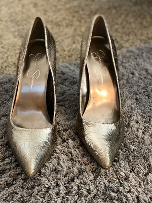 Jessica Simpson high heels!! Size 8. Beautiful on!! for Sale in Fresno, CA